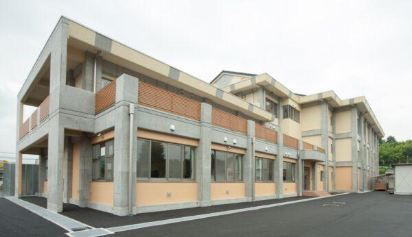 佐久市立望月中学校 管理普通教室棟改築
